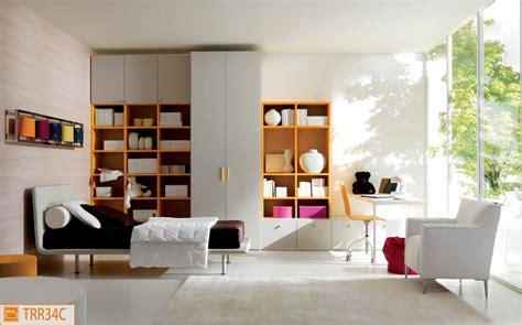 da letto semplice cameretta semplice e moderna con letto in ecopelle