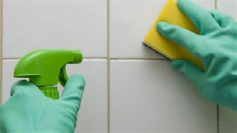 come pulire le piastrelle bagno come pulire le piastrelle della cucina e bagno