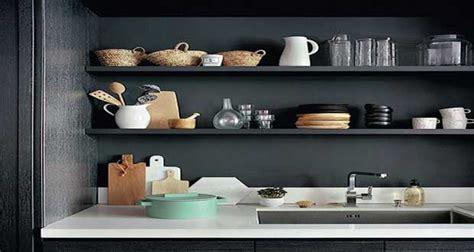 Bien Decoration D Une Petite Cuisine #2: rangement-cuisine-deco-pour-une-cuisine-sans-placard.jpg