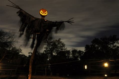 33 best scary halloween decorations ideas pictures