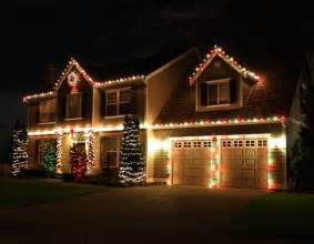Holiday Decorated Homes 1000 Ideas About Christmas House Lights On Pinterest