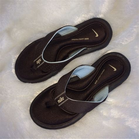 nike comfort footbed womens shoes 62 off nike shoes nike women s brown comfort footbed