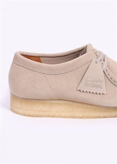 clarks originals wallabee shoes white