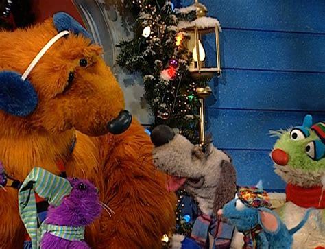 bear inthe big blue house christmas episode 326 a berry bear christmas 2 muppet wiki