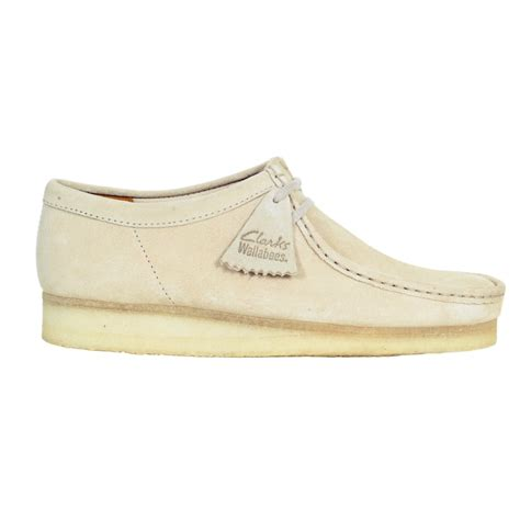 clarks originals suede shoes equipped with crepe sole