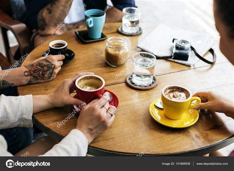 imagenes graciosas tomando cafe imagenes de personas tomando cafe wallskid
