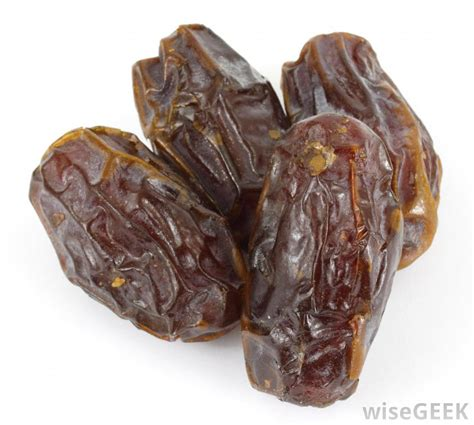 a date what is a date fruit with pictures