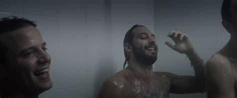 spogliatoio maschile doccia shirtless on the gilles rocca matteo