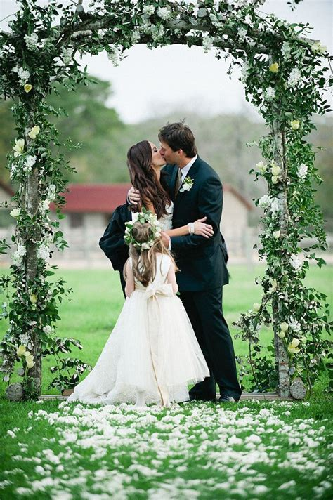 Wedding Arch Pictures by Picture Of Incredibly Beautiful Wedding Arches 24