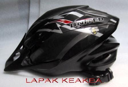 Helm Sepeda United F33 Typhoon lapak keakea helm united f33 typhoon