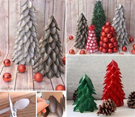 rodajas arbol manualidades con cucharas de pl 225 stico hacer arbolitos de navidad