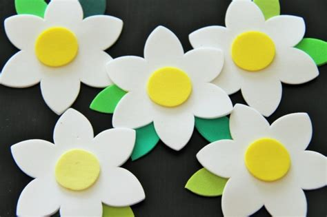 imagenes flores de goma eva manualidades con goma eva f 225 ciles y bonitas adornos con