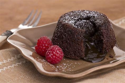 Choco Lava Cokelat Lumer resep molten lava cake dengan cokelat yang meleleh
