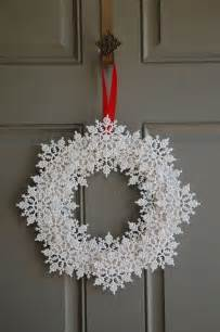 winter decorations to make 25 unique snowflake wreath ideas on diy