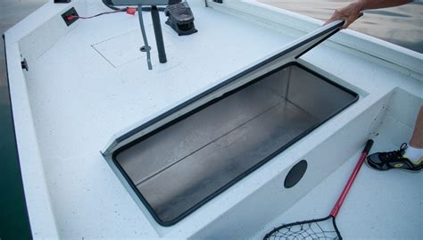 Casing Hp Cm 82 2018 20 lowe 20 catfish aluminum fishing bay boat lowe