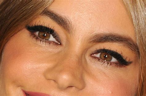 sofia vergara eyes sofia vergara s got a cool twist on a cat eye makeup look