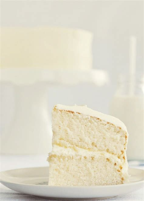 Moist Vanilla Cake on Pinterest   White Chocolate Icing