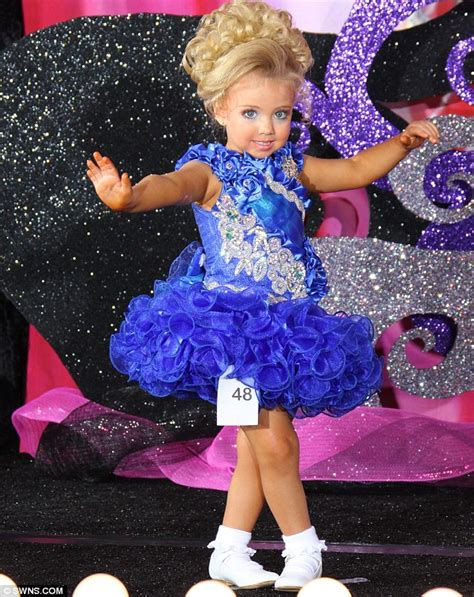 natural pageant hair for 5 year old lauren jackson has allowed her three year old daughter
