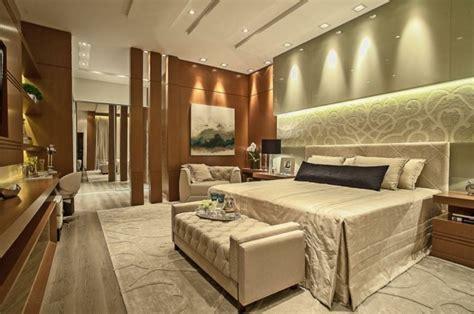 Agradable  Muebles Piso Completo #6: Combinacion-verde-claro-madera-pared-dormitorio.jpg