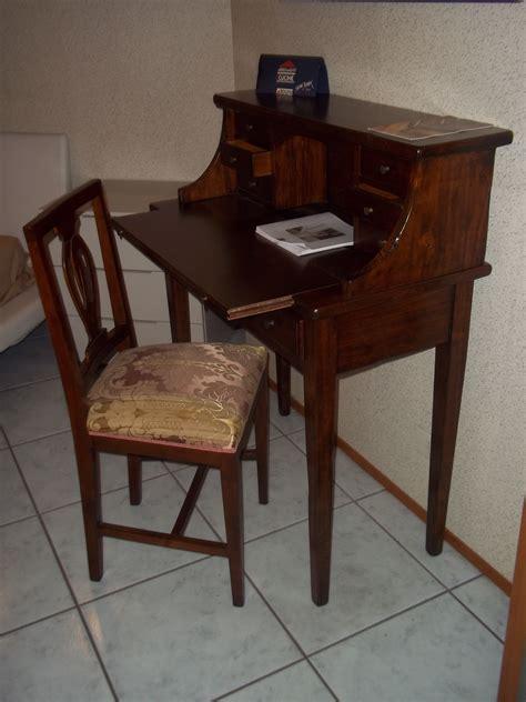 scrivania arte povera prezzi scrittoio arte povera antiquariato a prezzi scontati