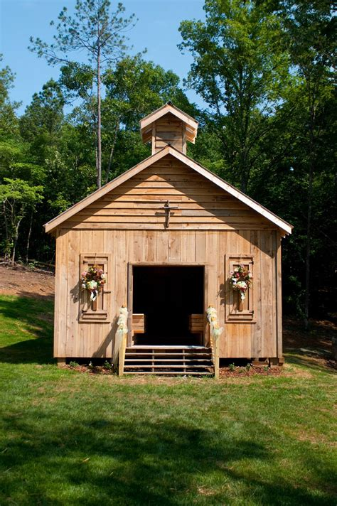 a colorado ranch style home is a haven of rustic warmth barn rentals colorado weddings rentals events don t make