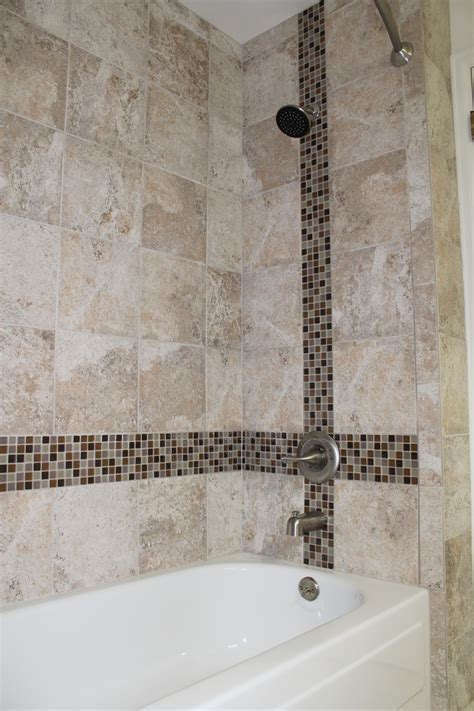 Small Bathroom Tub Ideas by Using Glass Tile As An Accent