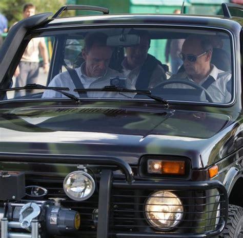 Putin Lada Niva Gel 228 Ndewagen Warum Der Lada Niva Ein Traumauto Ist Welt