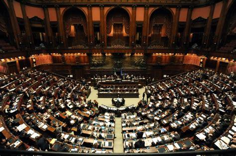 dei deputati numero riforma lavoro battaglia in senato mentre gli italiani