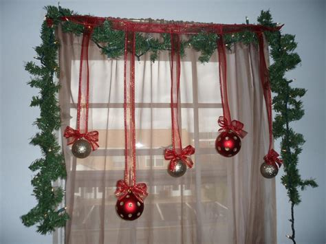 christmas light decoration ideas 11 awesome christmas window decoration ideas