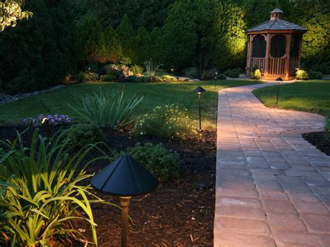Light Your Landscape Hgtv Outdoor Path Lighting Fixtures