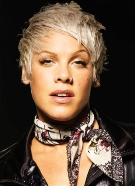 short hair in the pink with rocks bad girl alecia moore punk rock singer pink hair styles pinterest