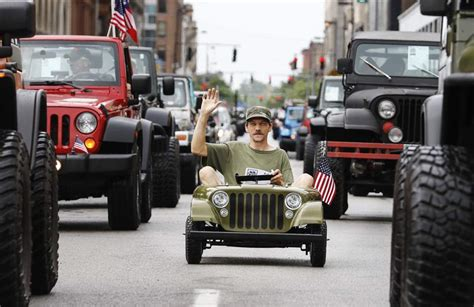 parade jeep fails to den toledo jeep events the blade