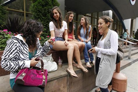 students have designs on n y c fashion schools ny daily