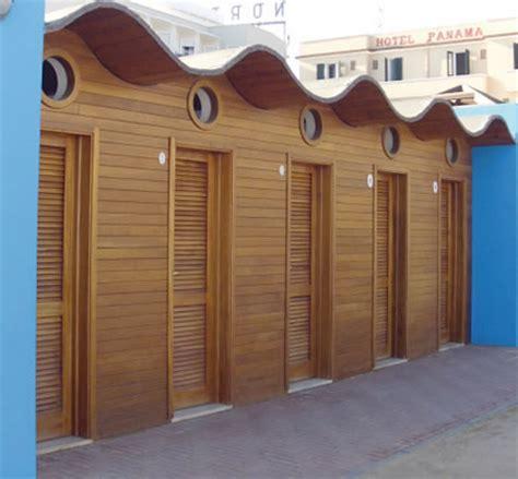 cabine in legno cabine da spiaggia cabine in legno da spiaggia de biagi
