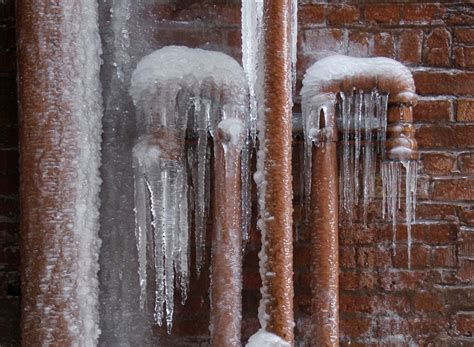 frozen hot water pipes how to keep home water pipes from bursting in freezing