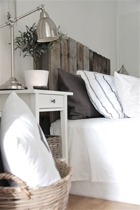 diy headboard pallet diy headboard from pallets 99 pallets