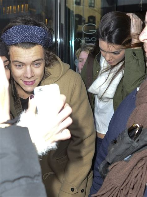 kendall jenner and harry styles were spotted eating together at a one direction s harry styles spotted out with kendall