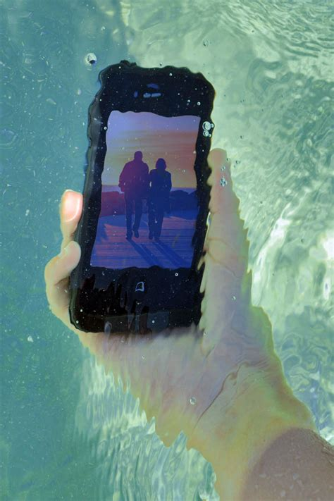lifeproof iphone  case water sand drop proof