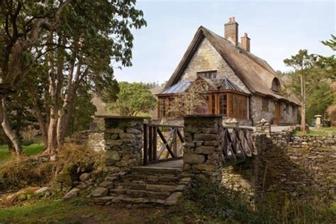 Thatched Cottage For Sale Ireland by A Thatched Roofed Cottage House