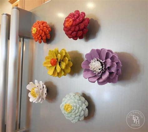 pine cone home decor these cut up pine cone decor ideas are perfect for fall