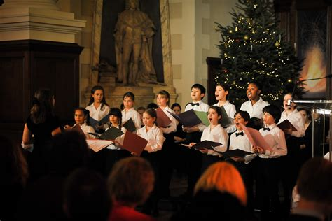 childlines merry  christmas carol concert   london