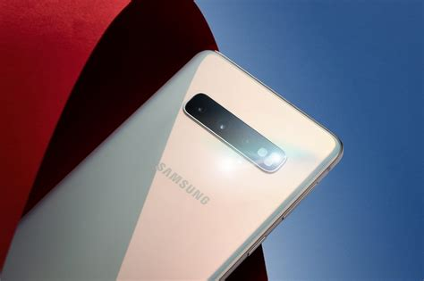 samsung galaxy  camera  boast  p pro feature