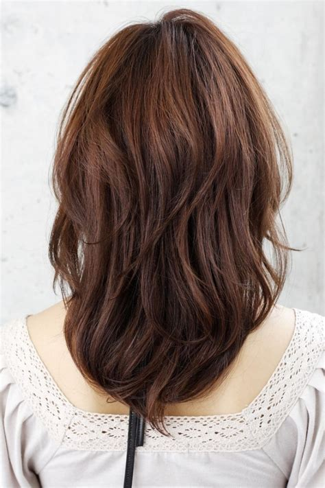 back views of long layer styles for medium length hair back view of medium layered hairstyle how to layered