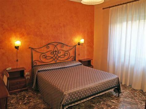 hotel la rusticana giardini naxos hotel la sirenetta giardini naxos sicilia prezzi 2017