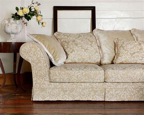 tessuti per foderare divani divani in tessuto per ambienti di stile divani classici
