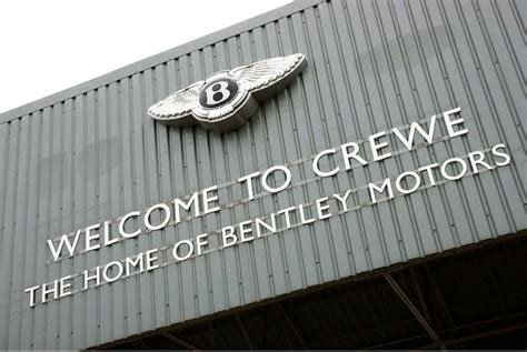 bentley crewe 175 ans de l usine bentley 224 crewe cpa g 233 n 233 ration