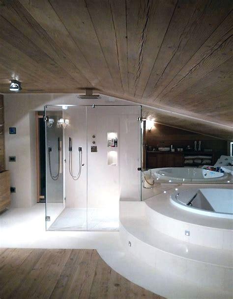 bagno con pavimento in legno bagno in legno antico con pavimento in legno e marmo