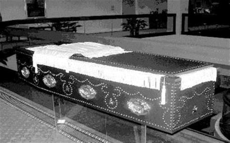 abraham lincoln in coffin funeral home to display replica of lincoln s casket news