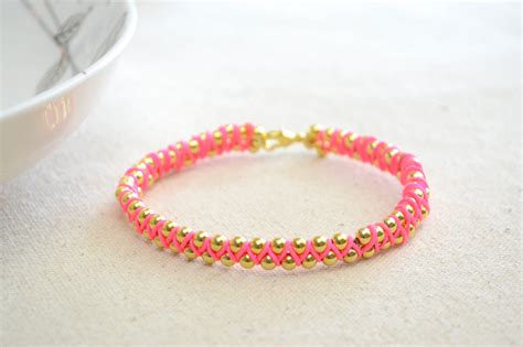 How To Make A Handmade Bracelet - easy handmade jewelry
