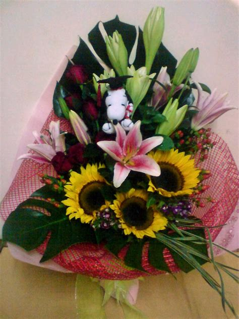 Graduation Flowers by Flower Sense Gift Shop Graduation Flower Bouquets